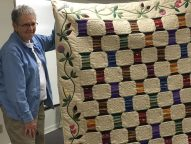 Look at the applique on the borders of Marilyn's quilt!